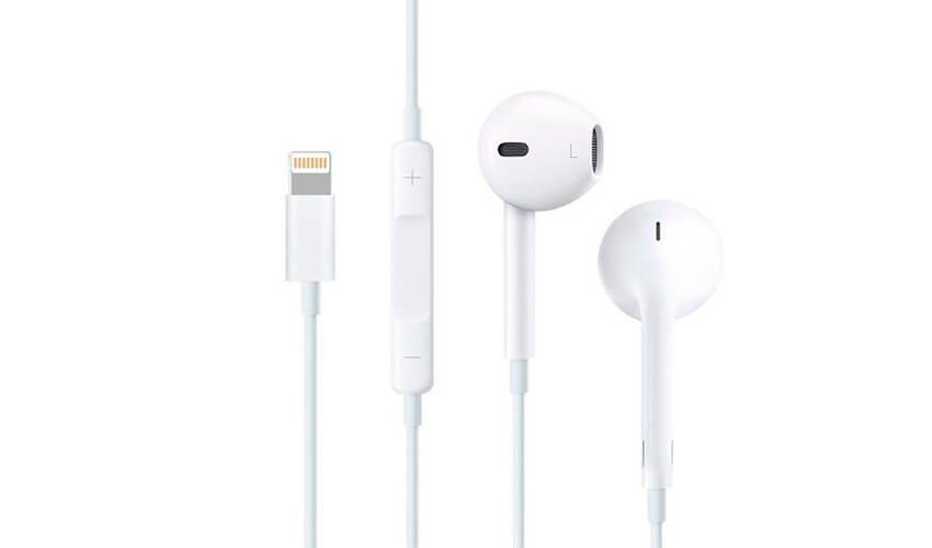 APPLE EarPods Lightning Connector with Remote and Mic