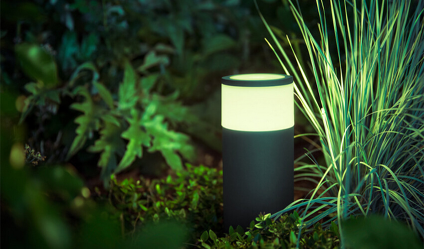Смарт-светильник PHILIPS Calla pedestal black 1x8W SELV ext. (17420/30/P7)